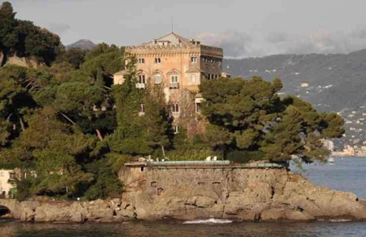 castello-berlusconi-political24