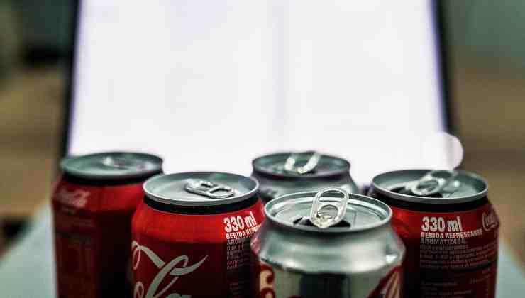 coca cola oggetti political24