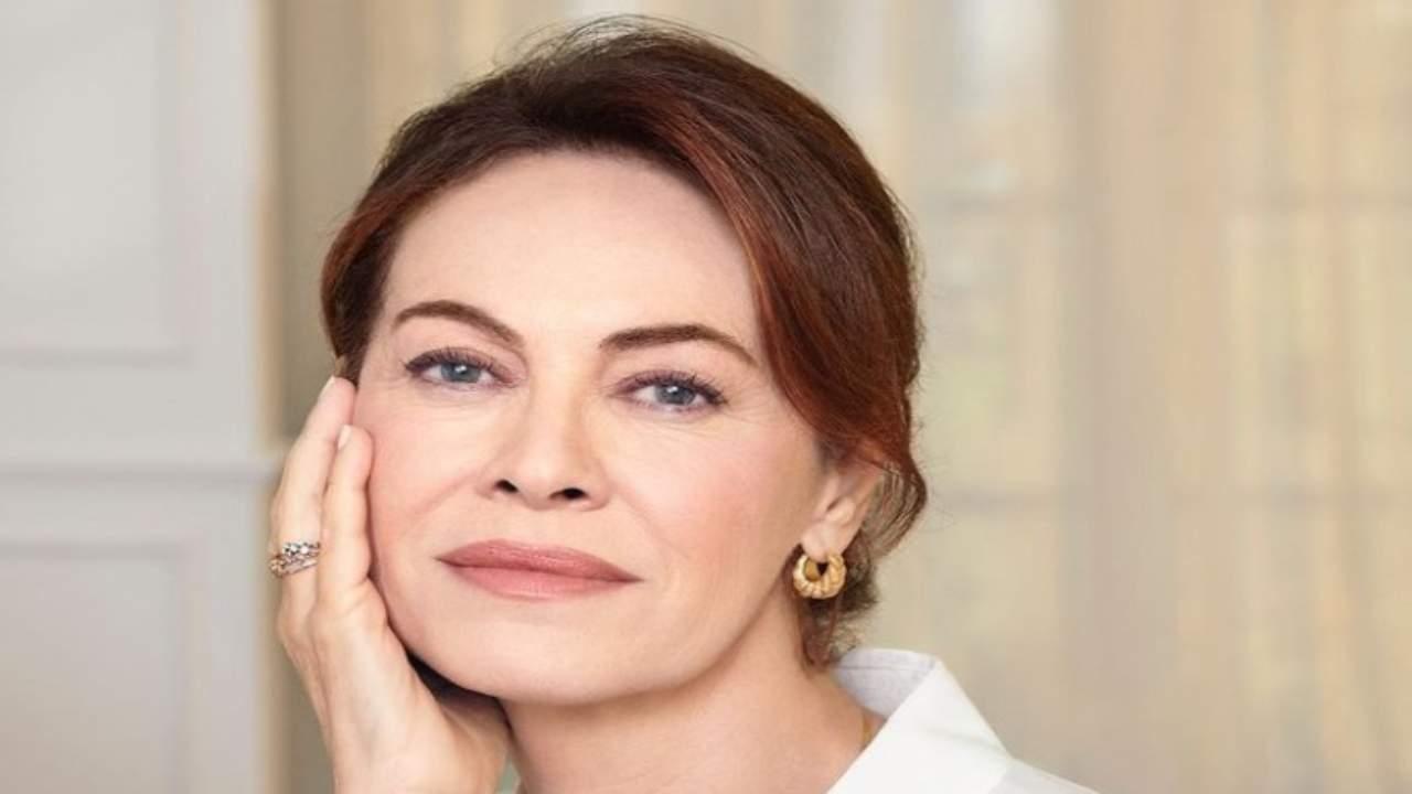 elena-sofia-ricci-look-political24