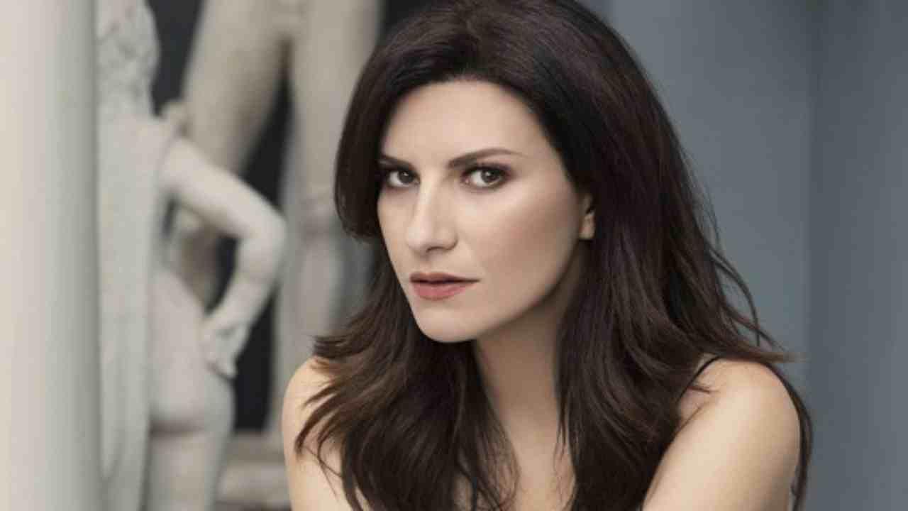 Laura Pausini vizio Political24