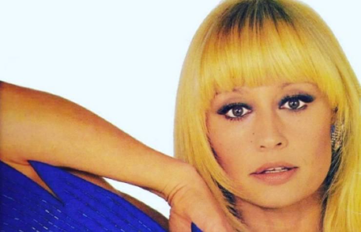 Raffaella Carrà capelli Political24