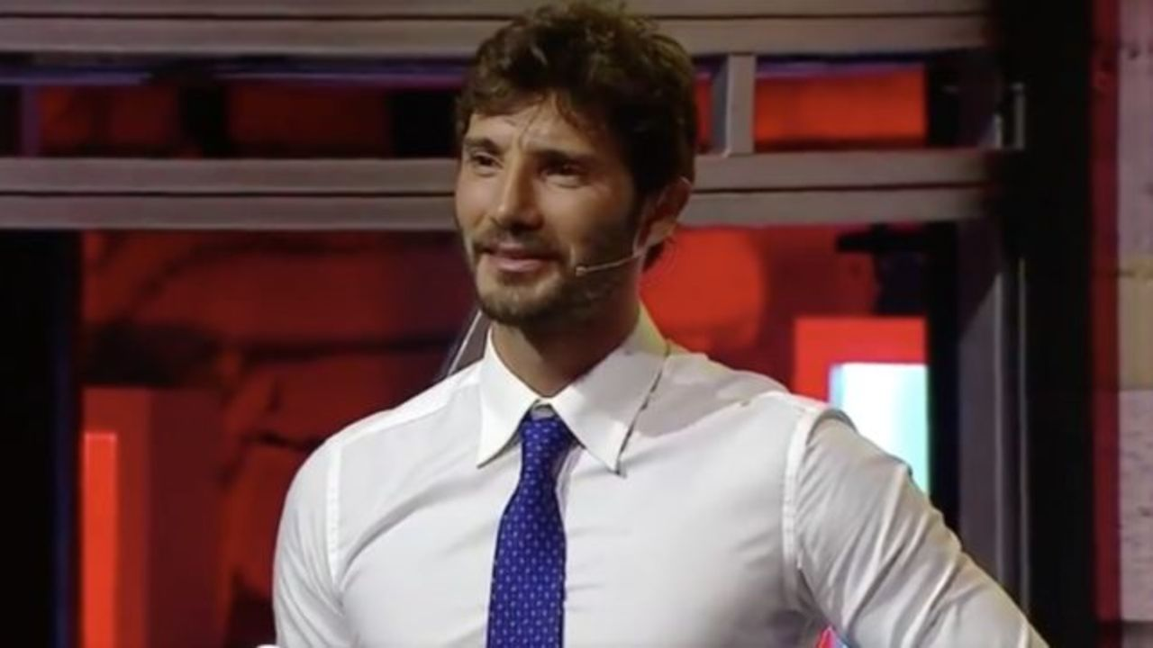 Stefano De Martino in mutande Political24