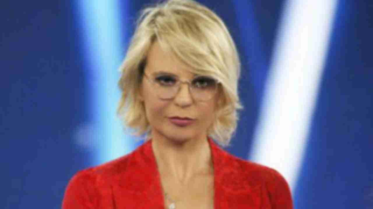 Maria De Filippi Amici Political24