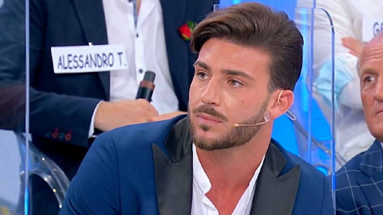 Nicola Vivarelli addio a Uomini e Donne Political24