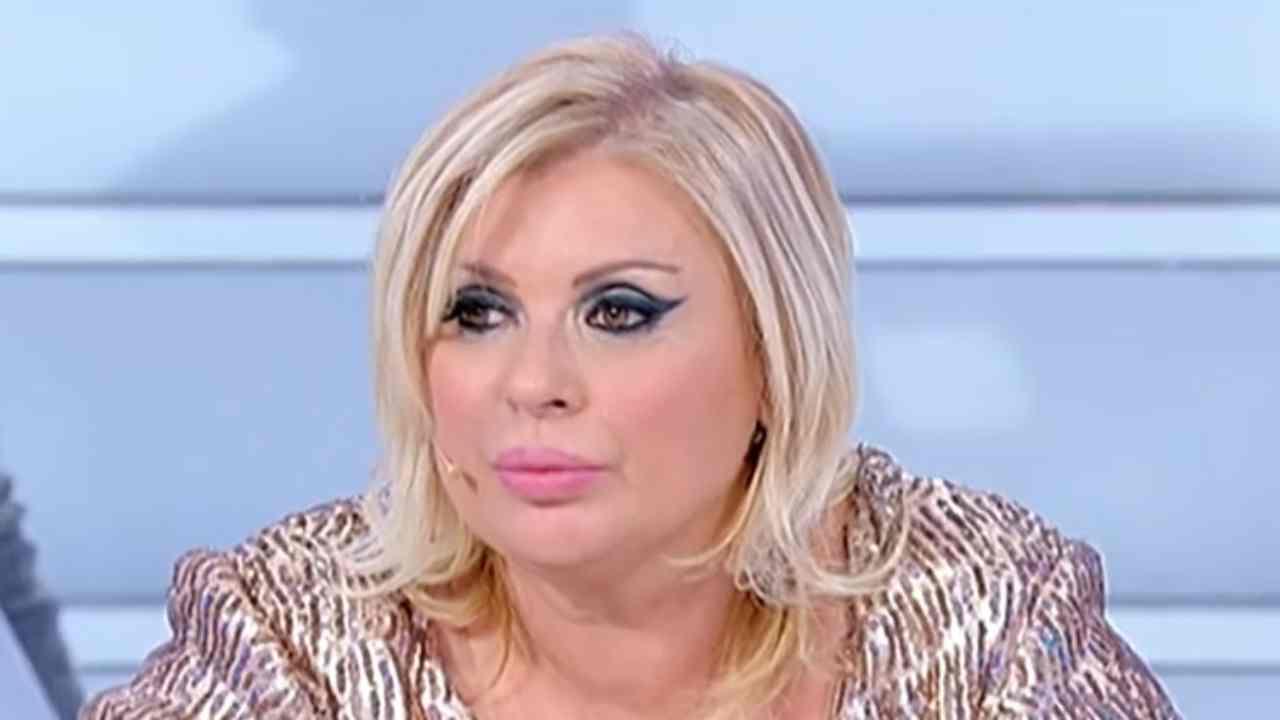 Tina Cipollari single Political24