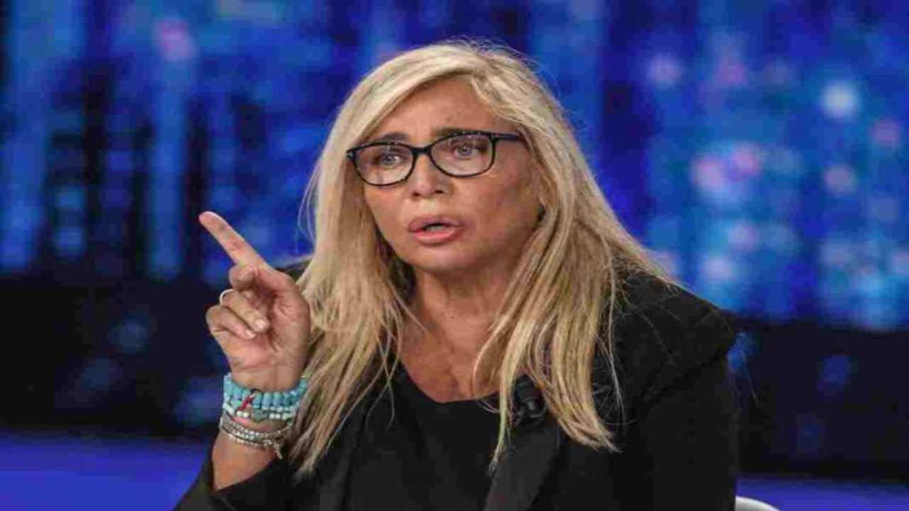 Mara Venier annuncio sui social Political24