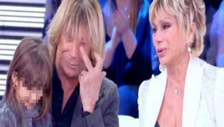 Carmen Russo e Enzo Paolo Torci não fazem amor politicamente